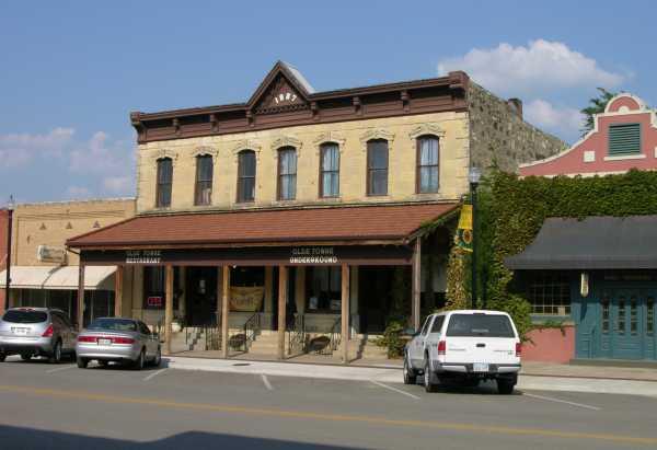 Best Restaurants Downtown Lawrence Ks