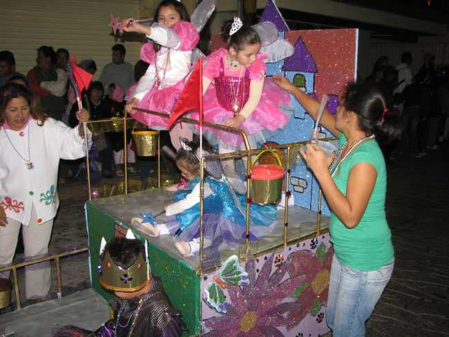 Cozumel Carnaval childrens' float