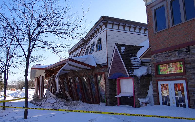 Roof Collapse At The Mackinaw Crossings In Mackinaw City