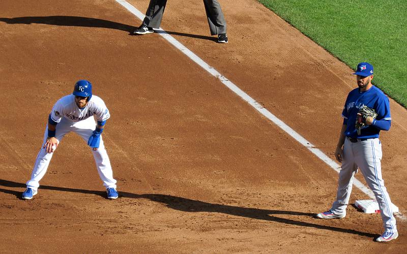 Alcides Escobar leading off first base