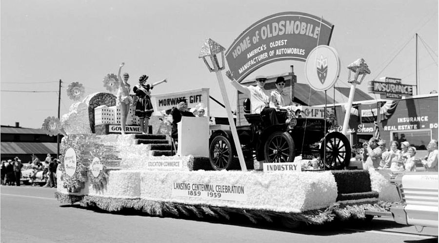 Lansing Centennial float in Mackinac Bridge dedication parade