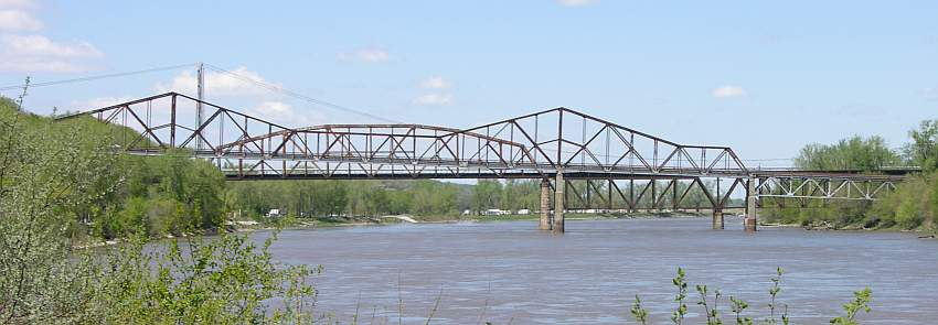 Three bridges crossing the Missouri River